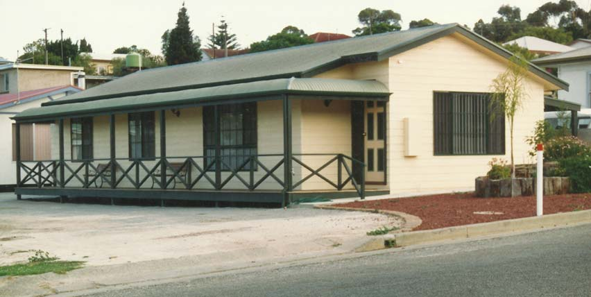 TRADITIONAL TRANSPORTABLE HOME WITH BULLNOSE VERANDAH